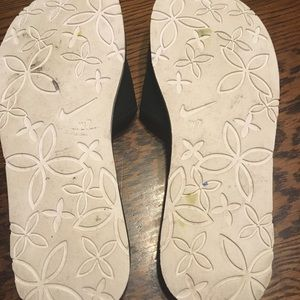 Nike Shoes - Great condition Nike slip ons